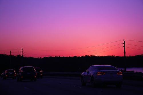คลังภาพถ่ายฟรี ของ ตะวันลับฟ้า, ทางหลวง, รถ, สี