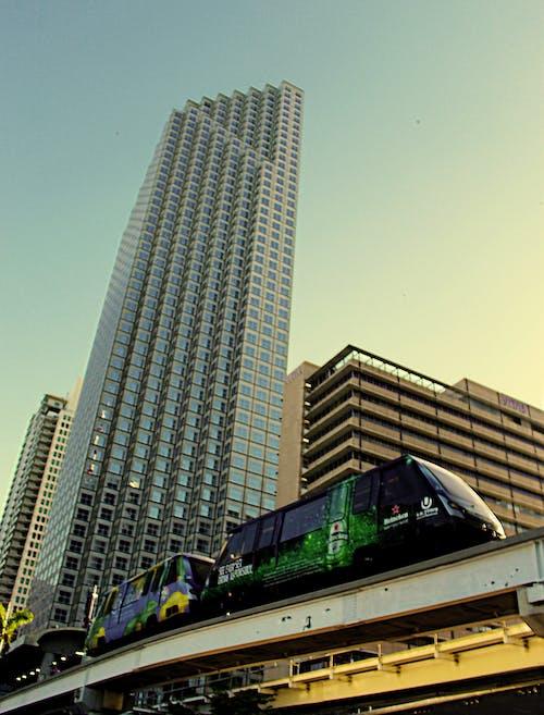 Ingyenes stockfotó alacsony szögű felvétel, belváros, építészet, építészeti terv témában