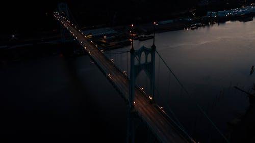 城市, 建築, 晚上, 晚間 的 免费素材照片