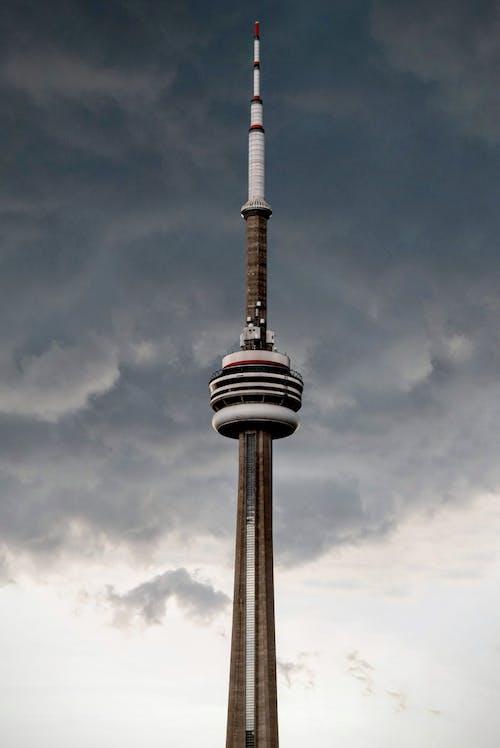 Fotobanka sbezplatnými fotkami na tému architektúra, budova, CN Tower, mesto