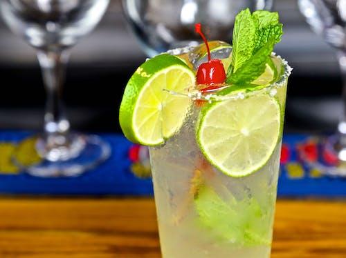 Darmowe zdjęcie z galerii z cytryna, drink, mojito, świeży ment