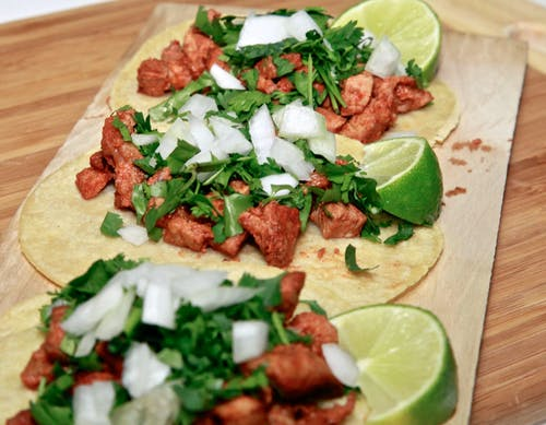 Darmowe zdjęcie z galerii z kolendra, meksykańskie jedzenie, tacos, tortille