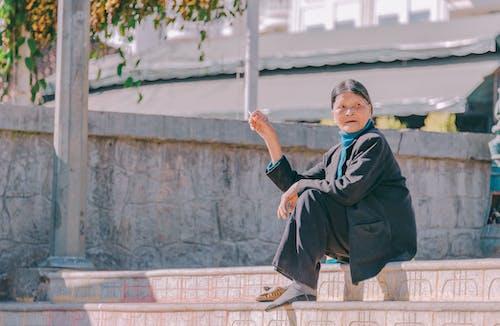 Gratis lagerfoto af arkitektur, asiatisk kvinde, Asiatisk pige, dagslys