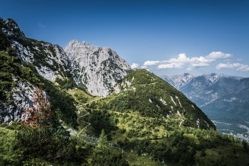 Kostnadsfri bild av bergen, bergstopp, blå himmel, dagsljus