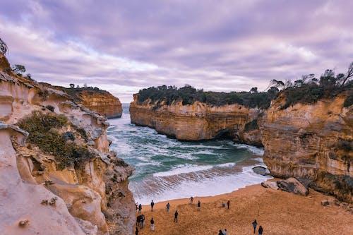 Kostenloses Stock Foto zu felsenküste, felswand, hübsch, küste