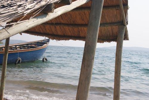Безкоштовне стокове фото на тему «Африка, махати, хатина, човен»