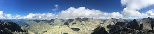 Foto d'estoc gratuïta de cel, muntanyes, núvols, paisatge