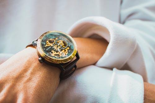 Безкоштовне стокове фото на тему «наручний годинник, час»