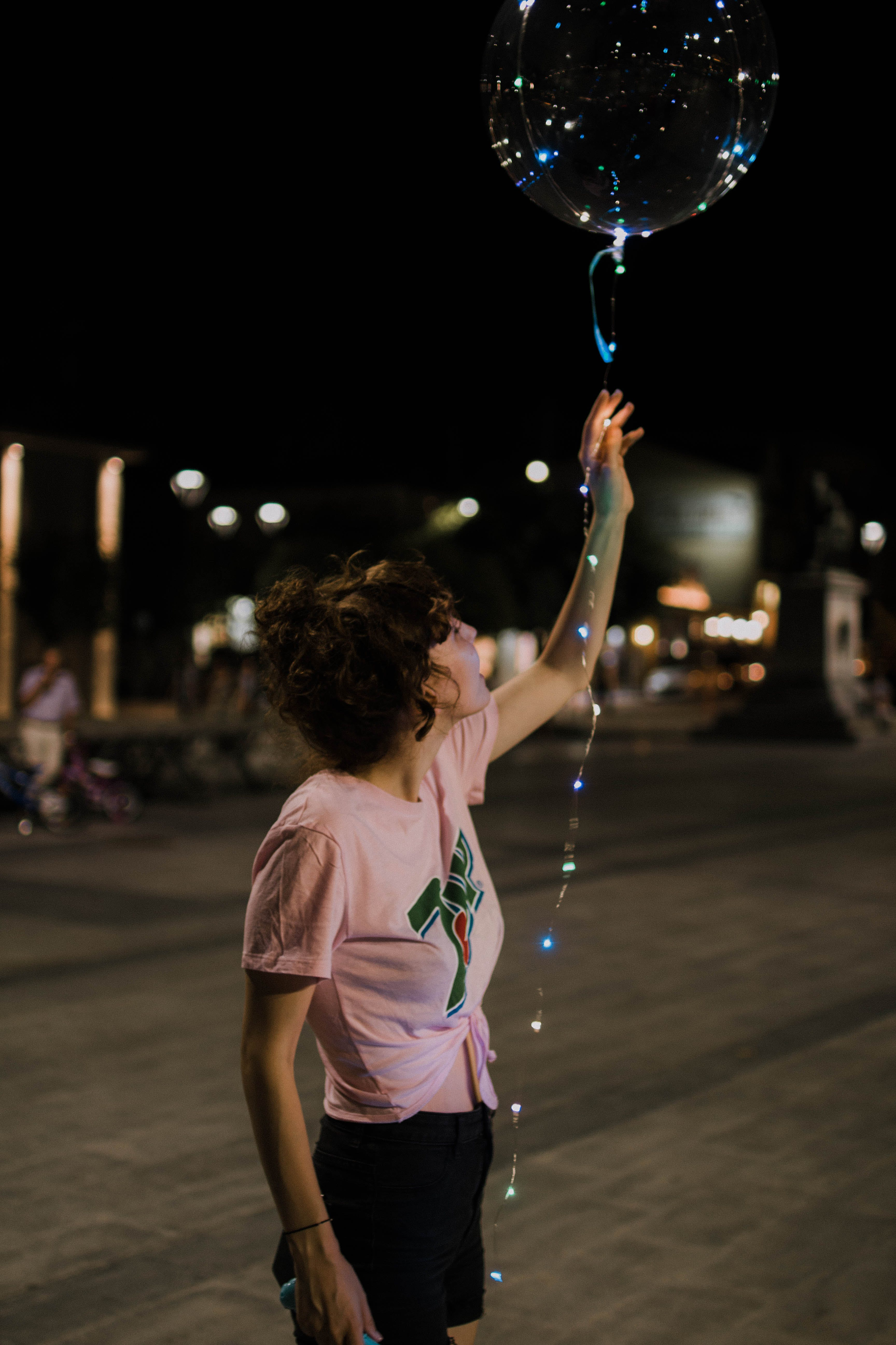 Kostenloses Stock Foto zu ballon, beleuchtung, frau, person