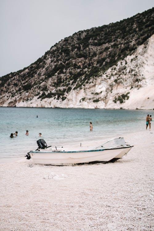 deniz, deniz aracı, deniz kıyısı, gün ışığı içeren Ücretsiz stok fotoğraf