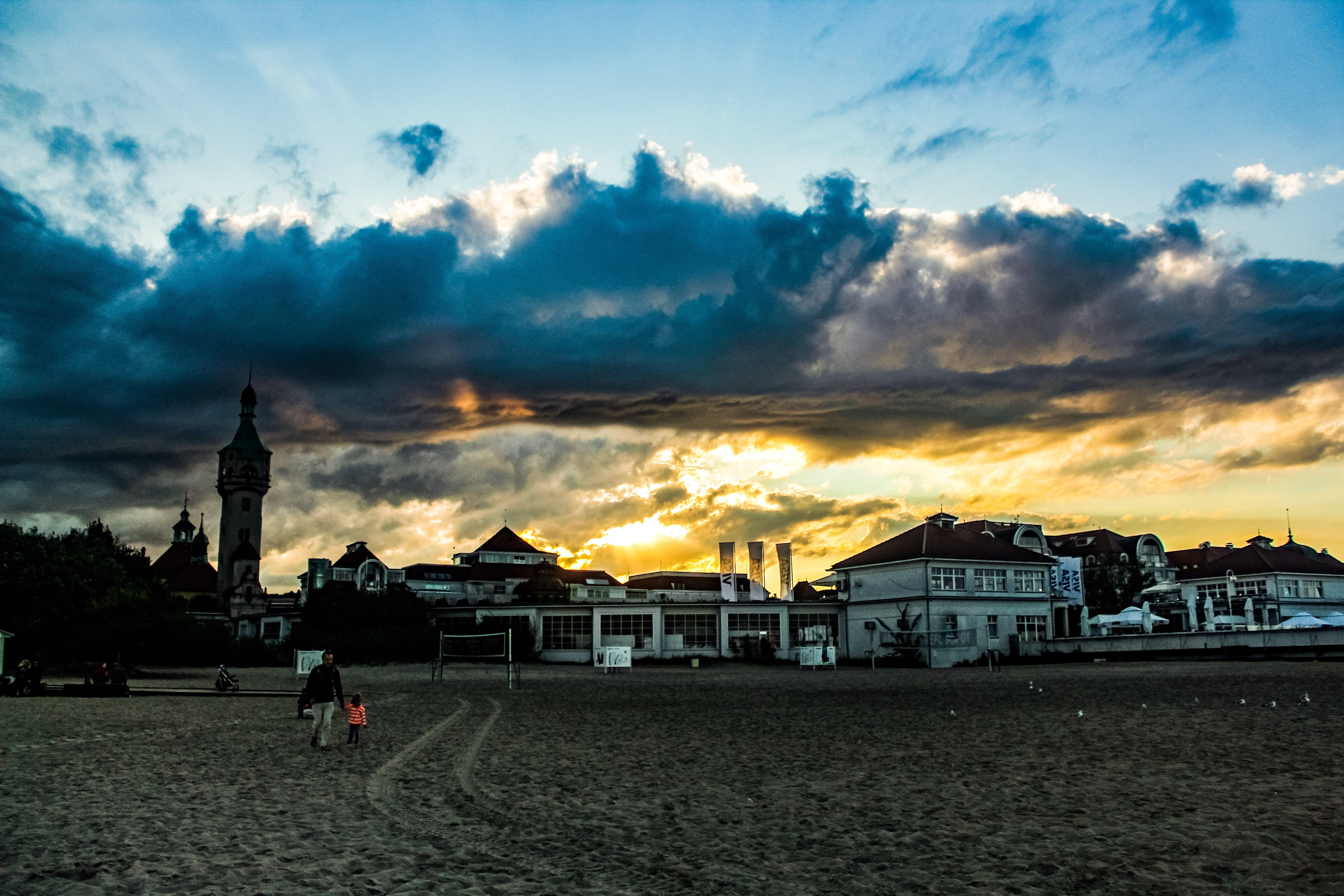 Fotos de stock gratuitas de amanecer, arena, arquitectura, cielo