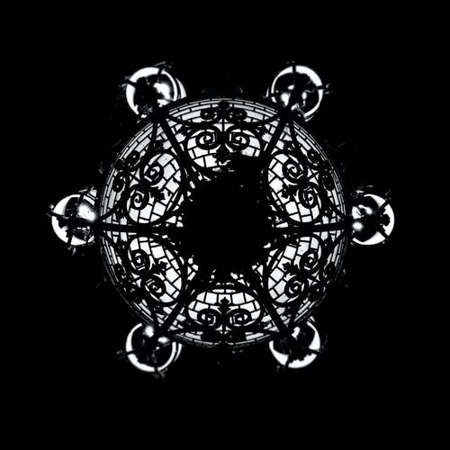 대칭적인, 모노톤의, 밤 조명, 천장 조명의 무료 스톡 사진