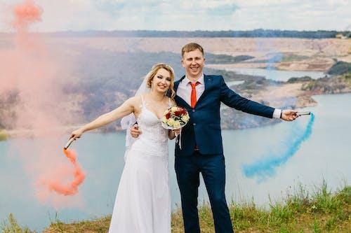 Kostenloses Stock Foto zu braut, braut und bräutigam, bräutigam, ehe