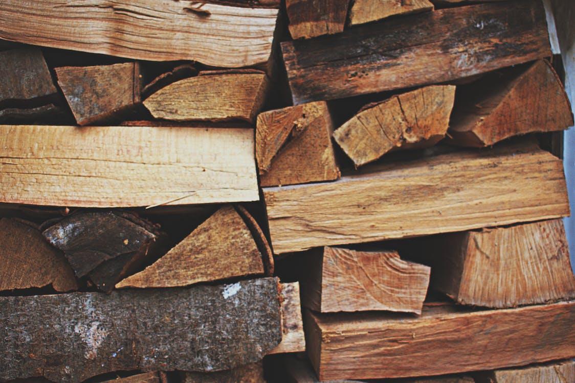 дерев'яні колоди, Деревина, деревний