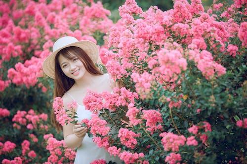 亞洲女人, 亞洲女孩, 公園, 分公司 的 免費圖庫相片