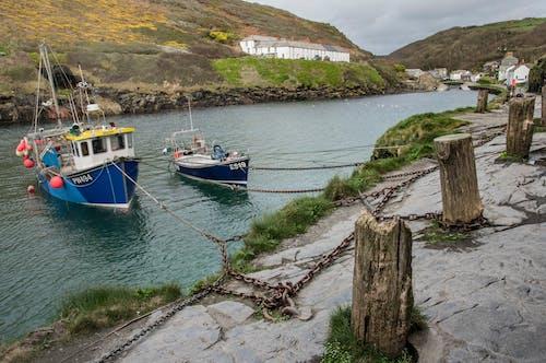 Fotos de stock gratuitas de bahía, barcos de pesca, mar, muelle