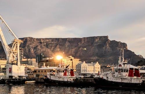 Fotobanka sbezplatnými fotkami na tému cestovať, člny, dobrodružstvo, hory
