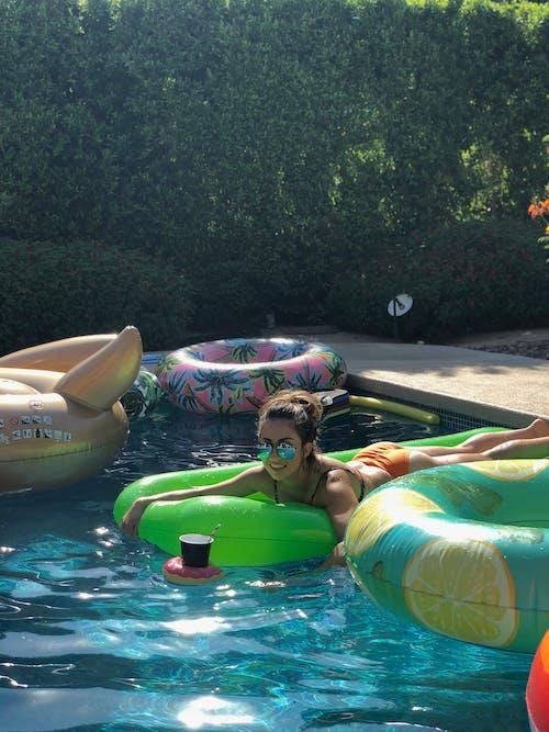 Foto profissional grátis de adulto, água, barco, bebida