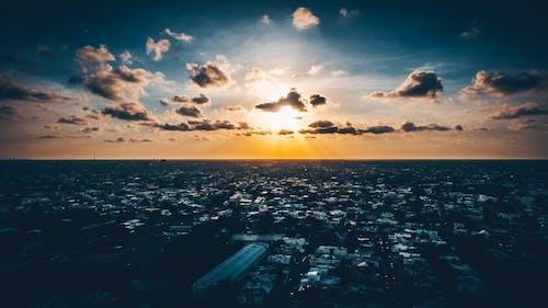 Základová fotografie zdarma na téma město, mraky, obloha, podsvícení