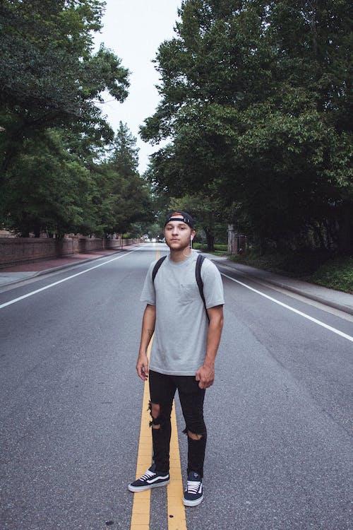 Ingyenes stockfotó aszfalt, Férfi, járda, kültéri kihívás témában