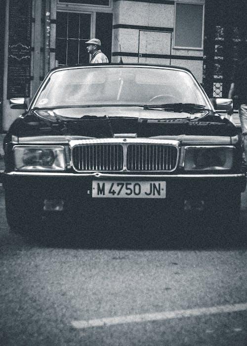 Foto profissional grátis de carro clássico, carros clássicos, clássico
