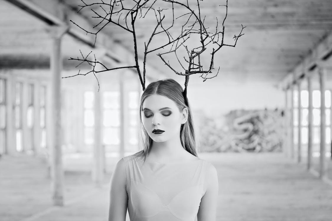 álló kép, fekete-fehér, függőleges kép