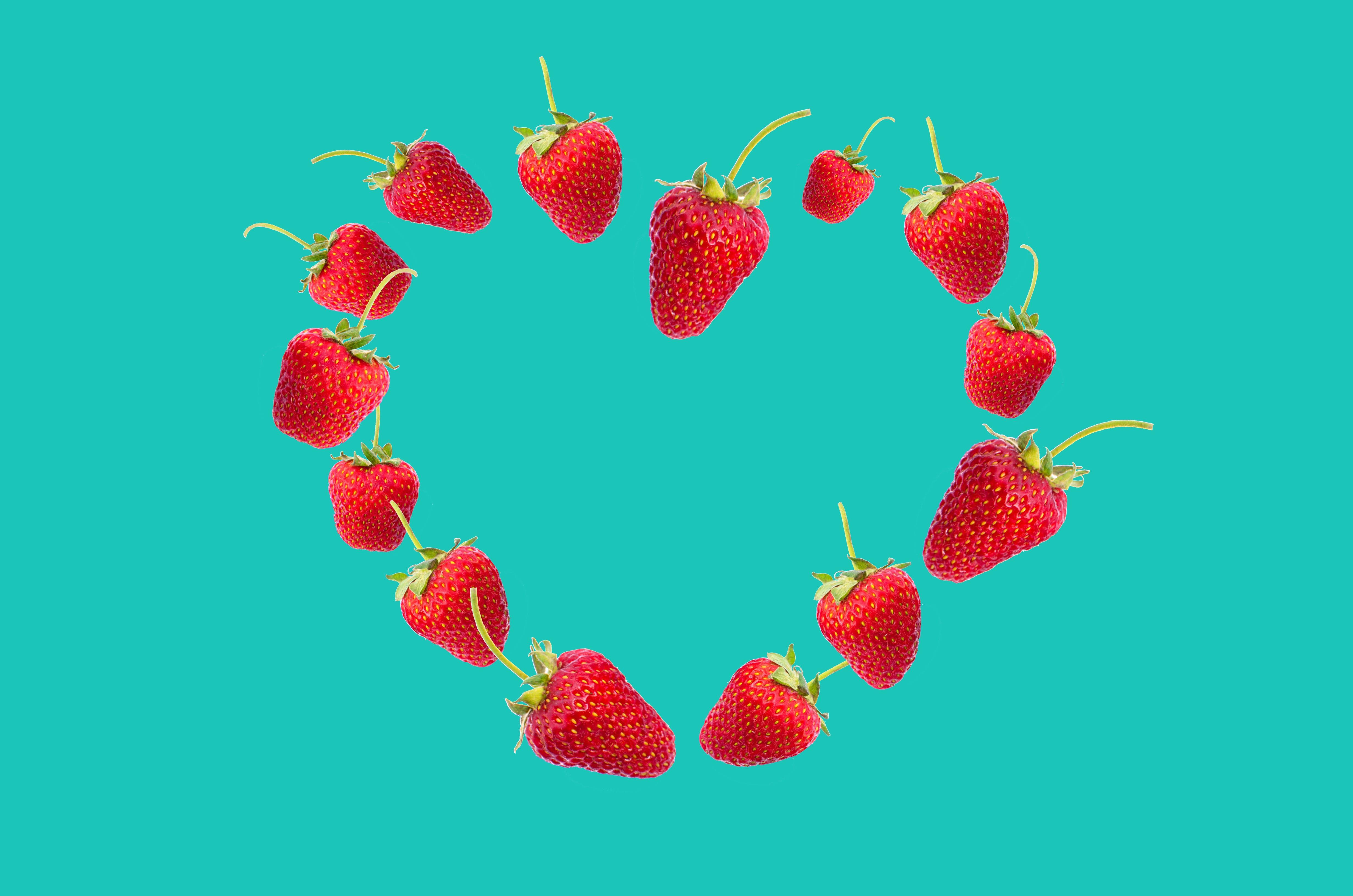 Strawberries Heart Digital Wallpaper