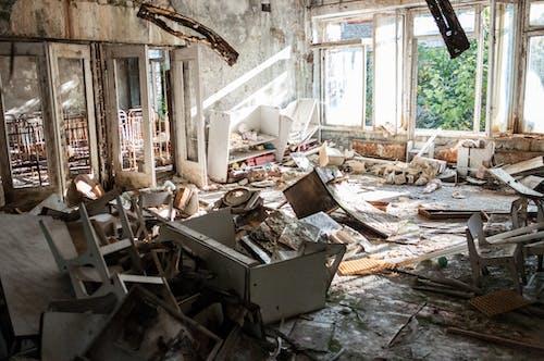 Foto stok gratis bangunan, bangunan terlantar, barang tak berguna, berantakan