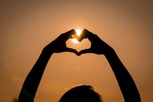 Imagine de stoc gratuită din apus, formă de inimă, mâini, mână