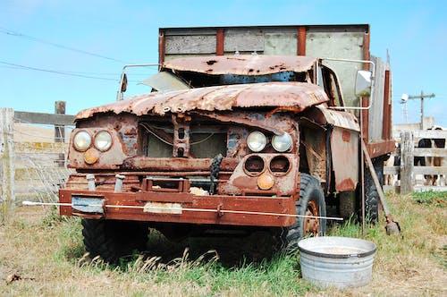 Fotobanka sbezplatnými fotkami na tému auto, farma, hrdzavý