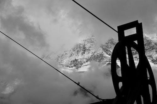 Ilmainen kuvapankkikuva tunnisteilla johdot, lumi, lumihuippuiset vuoret, luonto
