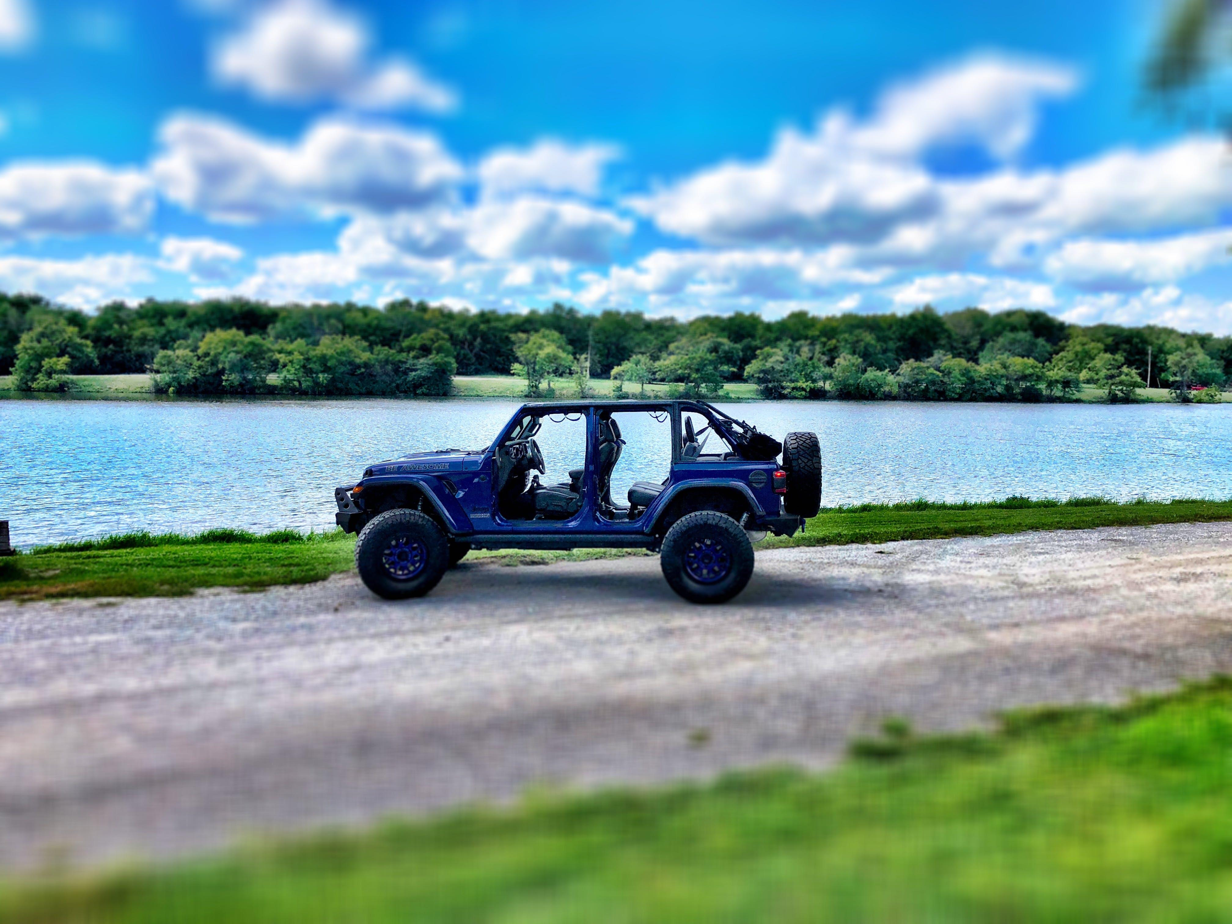 Free stock photo of lake, jeep