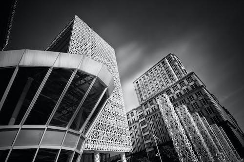 binalar, bulutlar, cam eşyalar, camlar içeren Ücretsiz stok fotoğraf