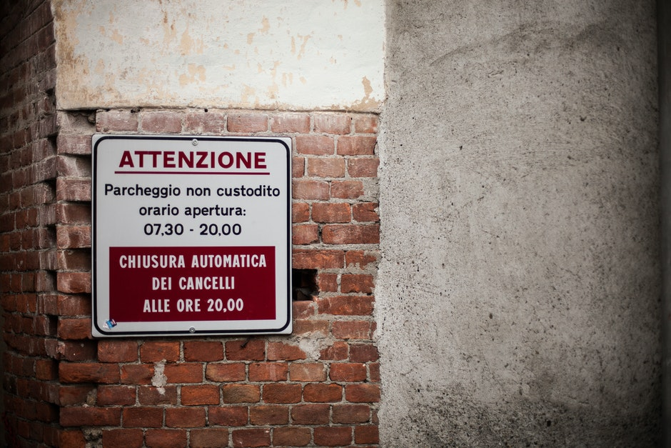 attention, caution, italian