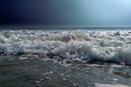 Kostnadsfri bild av hav, Mörk himmel, solljus