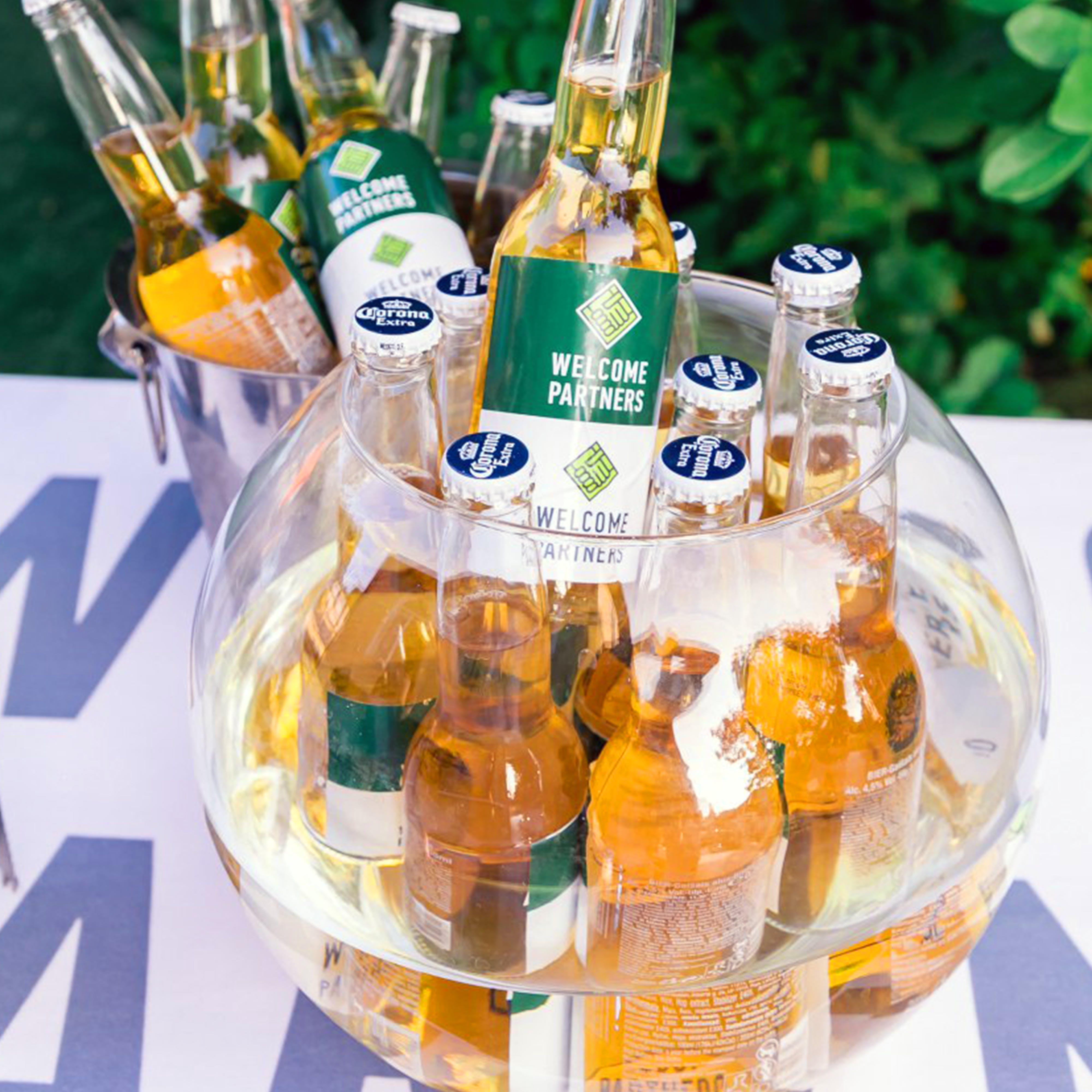Foto d'estoc gratuïta de aigua, ampolles, ampolles de cervesa, begudes