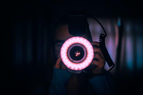 Základová fotografie zdarma na téma blesk, fotoaparát, fotograf, fotografie