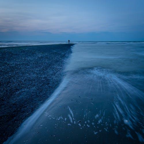 おとこ, 夜明け, 長時間露光, 防波堤の無料の写真素材