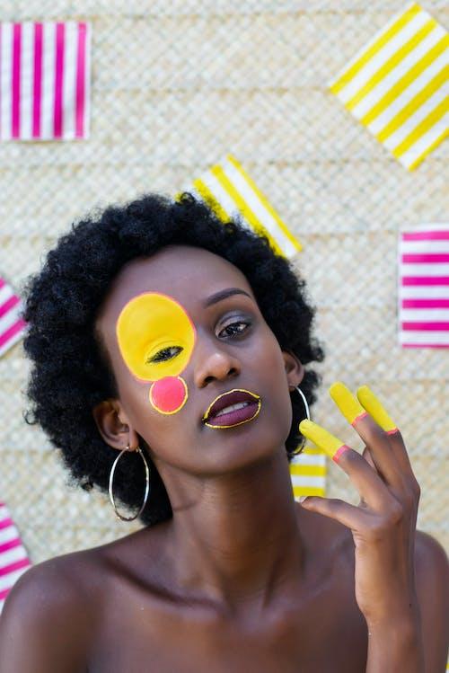Základová fotografie zdarma na téma afroameričanka, barva, černá holka, černoška