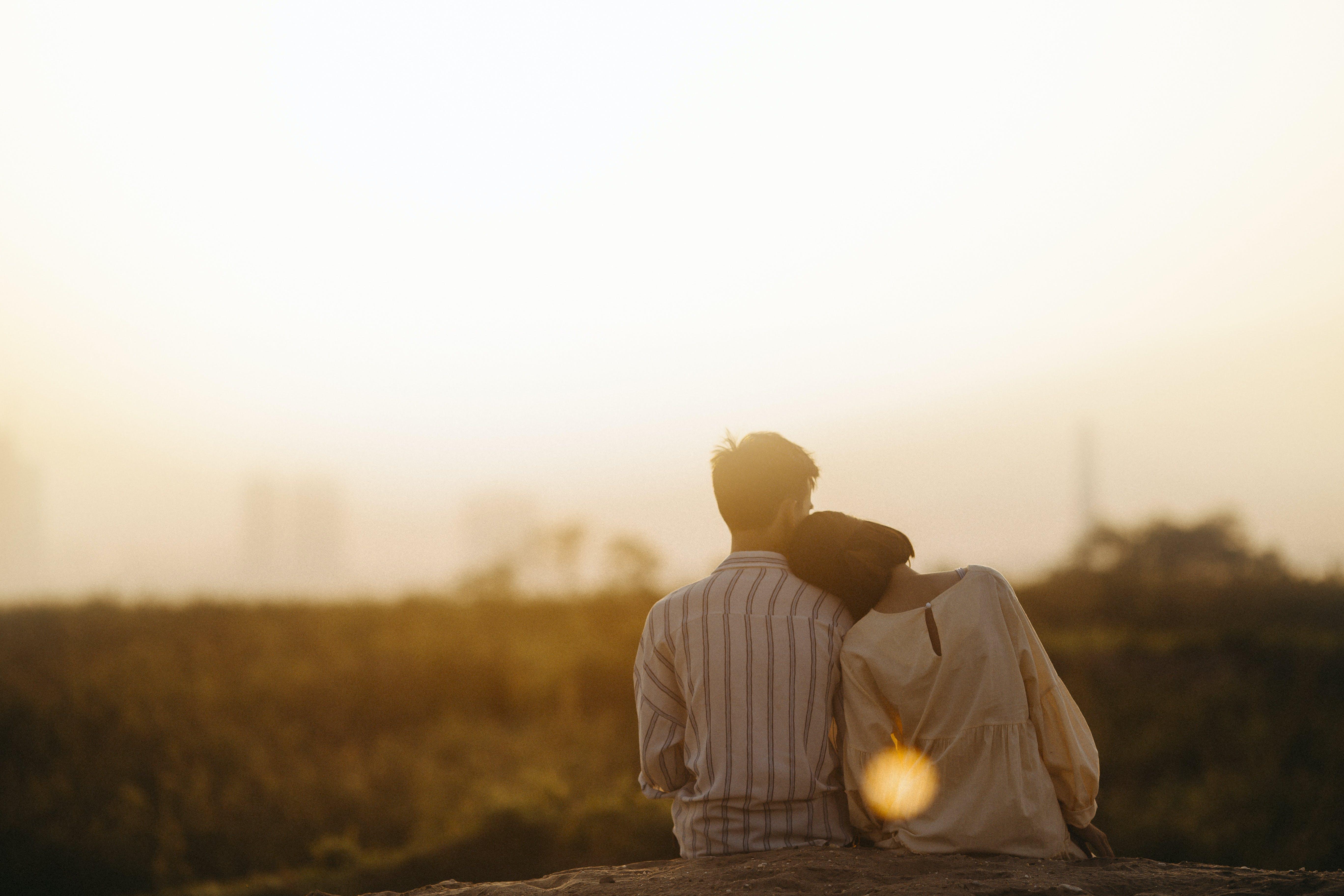 Kostnadsfri bild av bakgrundsbelyst, flicka, fotografering, kärlek