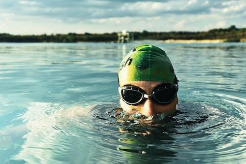 Imagine de stoc gratuită din activ, apă, atlet, fundal încețoșat