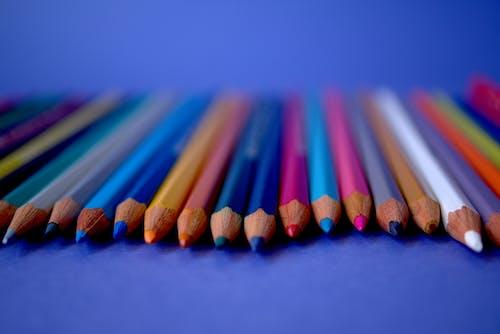 Fotobanka sbezplatnými fotkami na tému ceruzky, detailný záber, farby, farebný