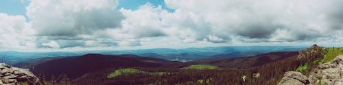 Gratis arkivbilde med dal, fjell, fjellkjede, idyllisk