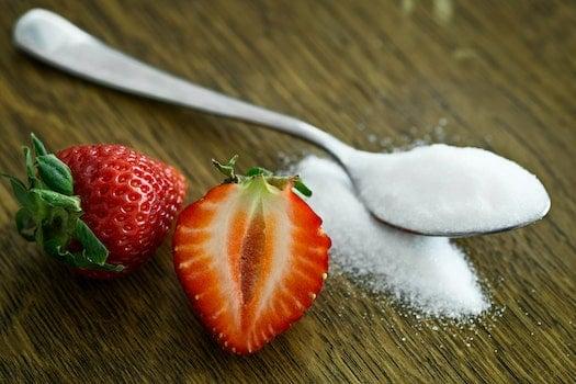 fresa y azucar