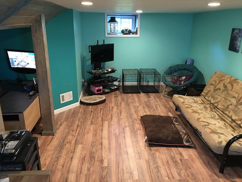 sitting room, wooden floor