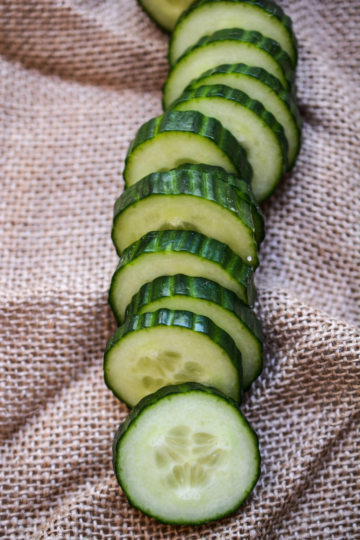 Gratis lagerfoto af agurk, grøntsag, skiveskåret