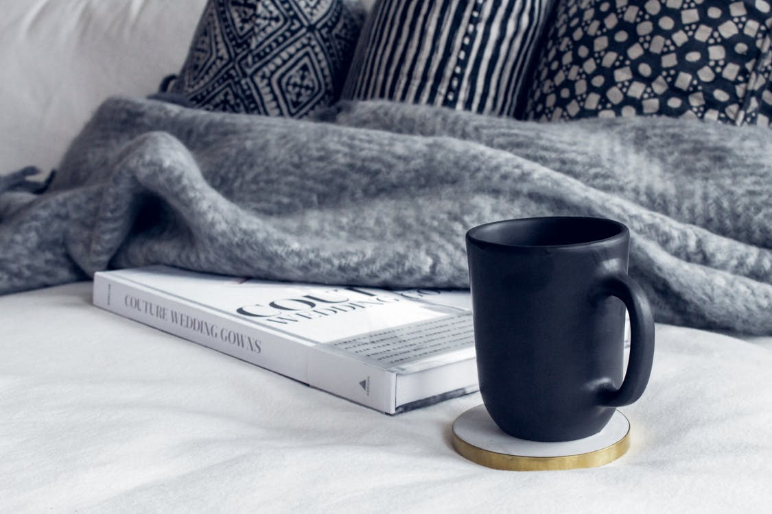 Photos gratuites de à l'intérieur, café, canapé