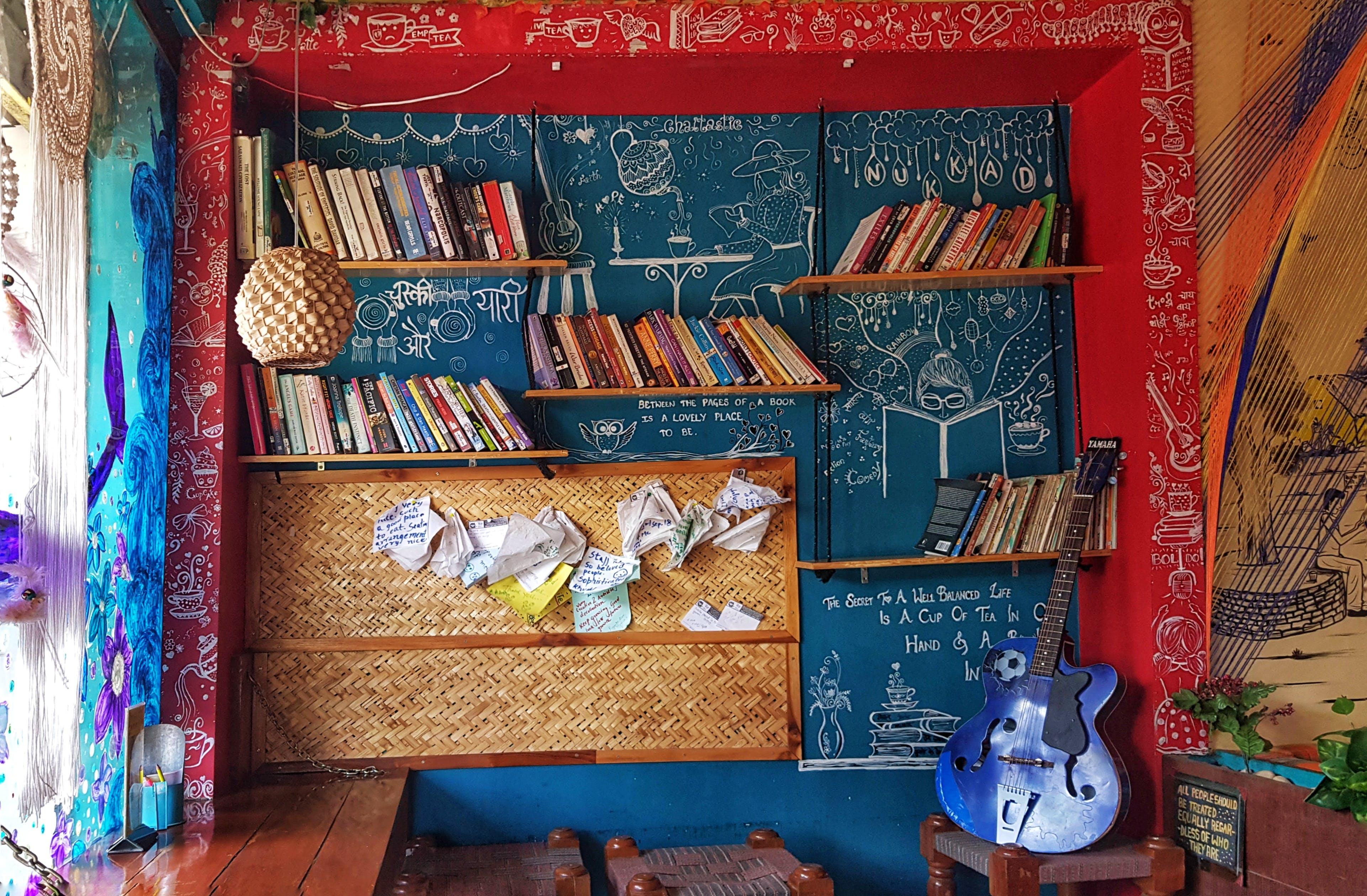 原本, 吉他, 圖書, 室內 的 免費圖庫相片