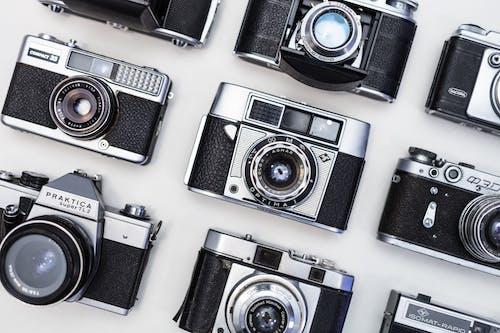 Darmowe zdjęcie z galerii z czarno-biały, fotografia, instrument, kamery