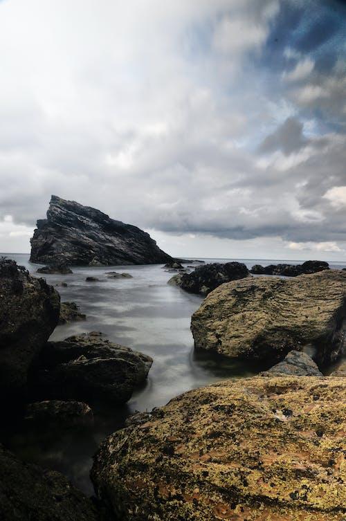 Δωρεάν στοκ φωτογραφιών με βράχια, γραφικός, θάλασσα, θαλασσογραφία